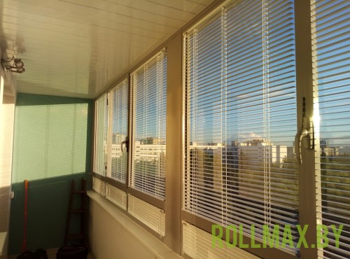 Жалюзи на балкон №01