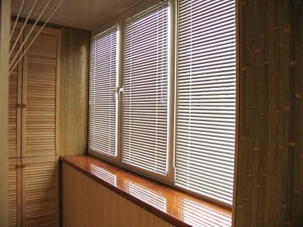 Жалюзи на балкон №06
